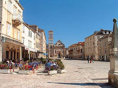 Isola di hvar croazia guide turistiche per le vacanze in for Appartamenti isola hvar