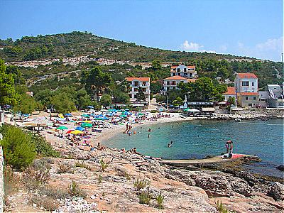 Milna croazia hvar guide turistiche per le vacanze in for Appartamenti isola hvar