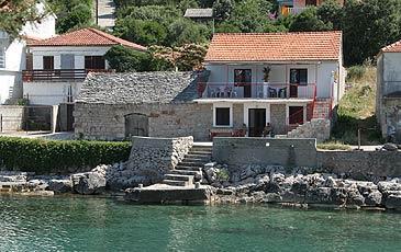 Croazia alloggio privato nelle baie croazia alloggio for Appartamenti isola hvar
