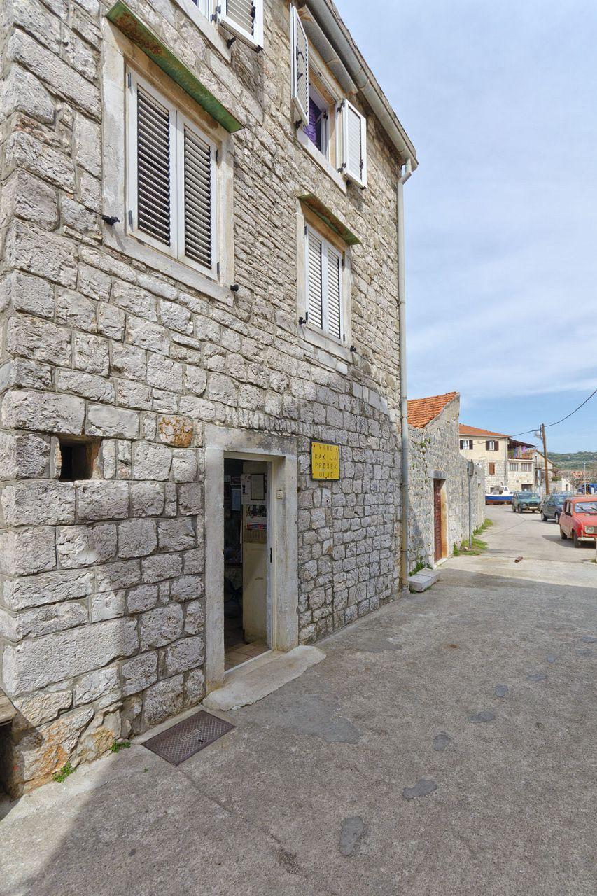 Appartamenti a1 4 stari grad isola di hvar for Appartamenti isola hvar