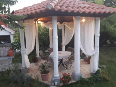 Appartamenti Pavilion - beautiful garden & comfortable: A1(6) Kampor - Isola di Rab